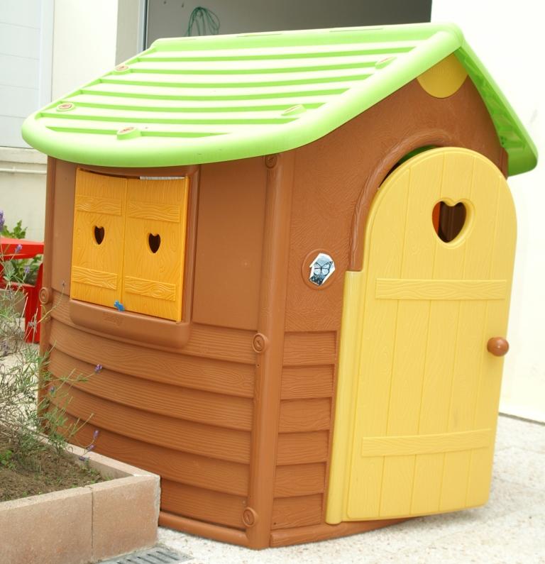 nous vendons tout cabane enfant jura lodge. Black Bedroom Furniture Sets. Home Design Ideas