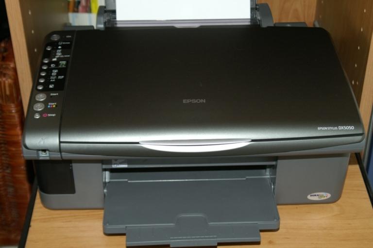 nous vendons tout imprimante scanner copieur epson stylus dx5050. Black Bedroom Furniture Sets. Home Design Ideas